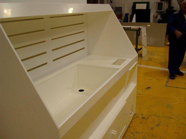 White Polypropylene Fabricated Chemical safe wash unit