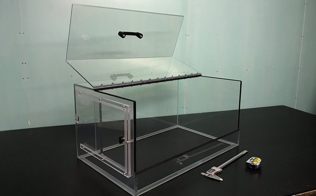antistatic acrylic enclosure
